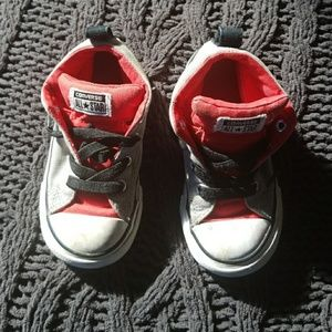 Toddler Converse shoes 8c